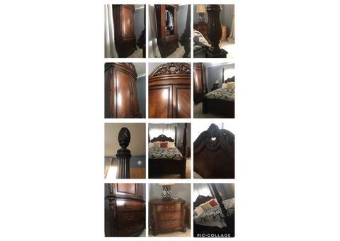 Pulaski Foxcraft King Bed Suite
